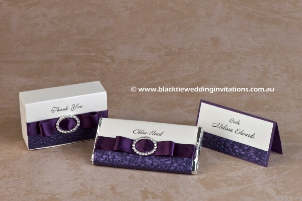violetta - favour box, personalised chocolate and place card