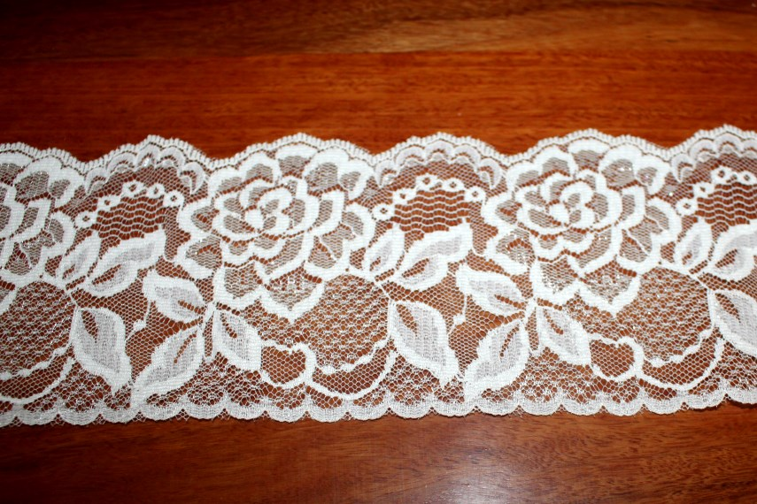 Ivory Scalloped Lace