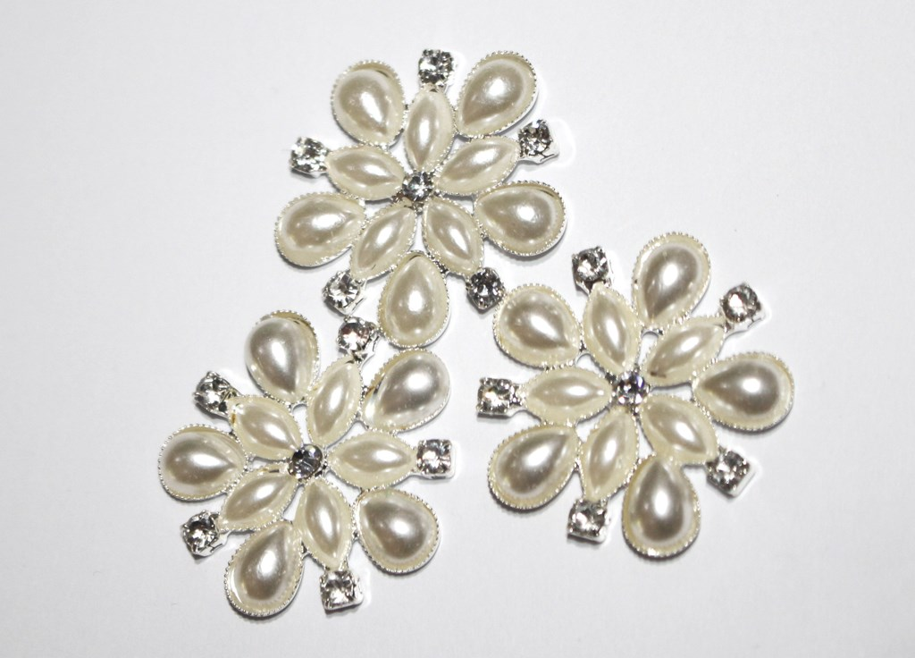 Small flower pearl cluster